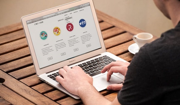 Nếu muốn phát triển tính năng trên website chuyên nghiệp, bạn cần đầu tư chi phí vào những nền tảng tối ưu hơn