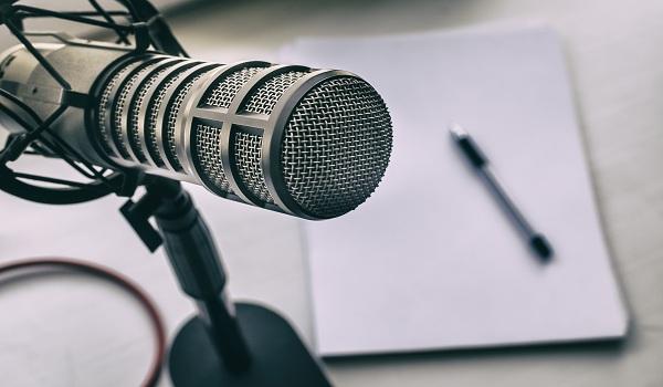 Podcast có thể truyền tải thông tin theo cách gần gũi, hiệu quả